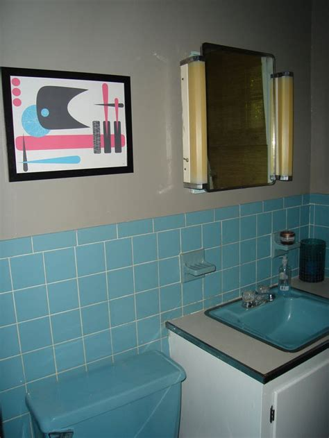 40 retro blue bathroom tile ideas and pictures