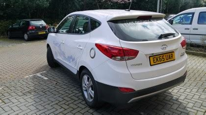 hyundai aims     driving cars   road