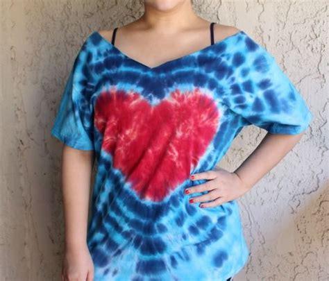 How To Make A Tie Dye Heart Shirt Diy Tie Dye Shirts