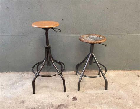 chaises style industriel tabouret haut style industriel maison design bahbe com