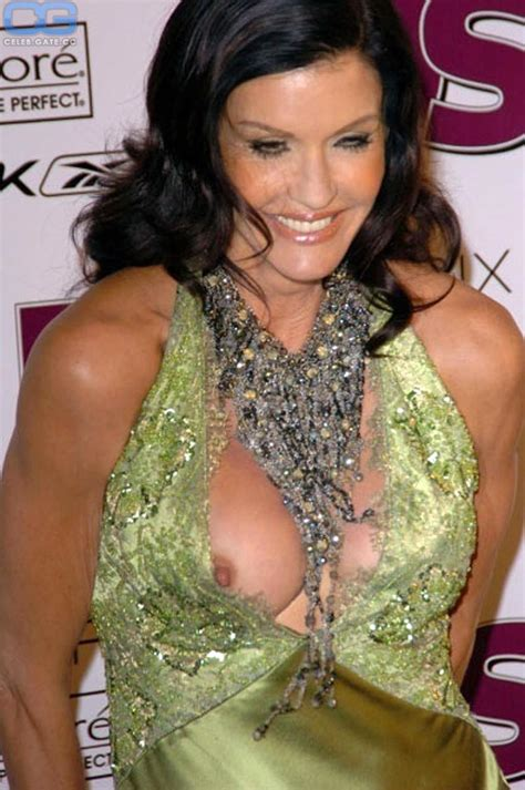 Janice Dickinson Nude Young Vs Old Scandal