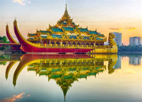 karaweik palace yangon myanmar burma entertainment