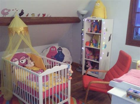 decoration chambre bebe barbapapa