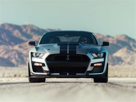 ford mustang shelby gt   top speed limited