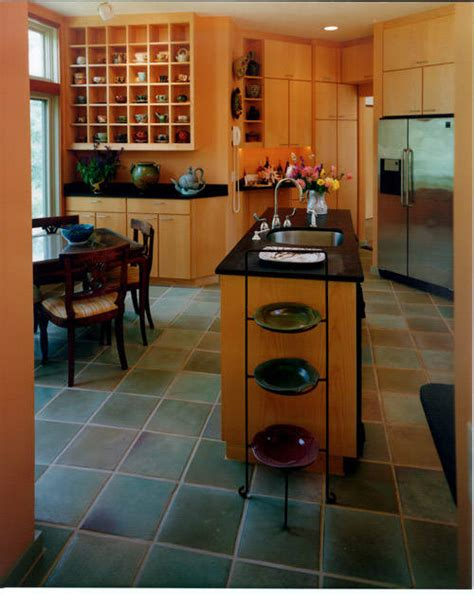 kitchen with black tiles alegi gresia din bucatarie casa și grădina 6496