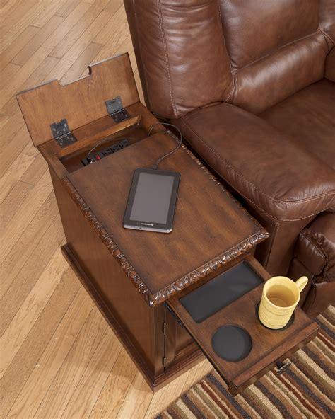 signature design  ashley laflorn chairside  table