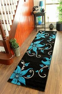 flur teppich modern haus dekoration With balkon teppich mit moderne tapeten für den flur