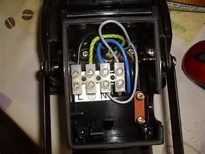 Branchement Detecteur De Mouvement : branchement d 39 un d tecteur de pr sence ~ Dailycaller-alerts.com Idées de Décoration