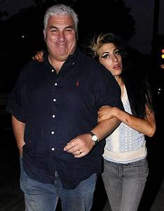 Amy Winehouse turns once again to father Mitch to help her ...