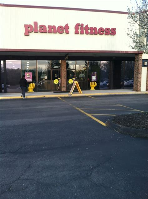 Find opening hours for planet fitness chains and other contact details such as address, phone number, website. Planet Fitness - CLOSED - 13 Photos - Gyms - 6532 ...