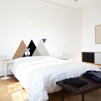 tete de lit a peindre tete de lit peinte geometrique triangles painted geometric headboard chambre