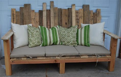 tablett fã r sofa 40 creative pallet furniture diy ideas and projects