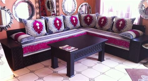 banquettes pour salon marocain en bois salon deco marocain