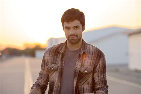sean teale  playing  spanish speaking mutant  marvel