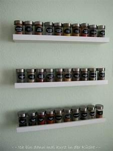 Nachttisch Hängend Ikea : die besten 25 gew rzregal ideen auf pinterest gew rzaufbewahrung h ngend k chen ideen ikea ~ Markanthonyermac.com Haus und Dekorationen