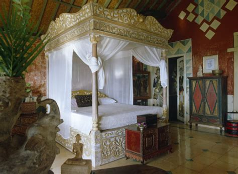 Home Decor 88 : The Story Of Four Poster Beds