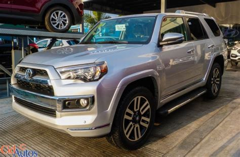 toyota  runner limited color gris plata  cid autos