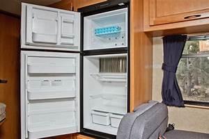 Kühlschrank Gefrierkombination Klein : das wohnmobil c25 von cruise america ~ Eleganceandgraceweddings.com Haus und Dekorationen