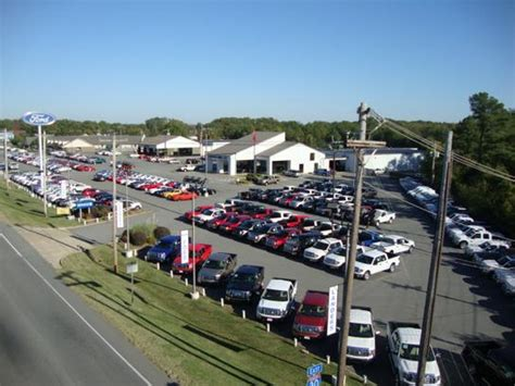 Landers Ford car dealership in Benton, AR 72015 2068