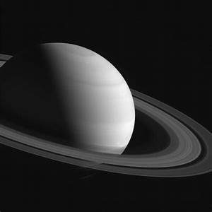 Doomed Spacecraft Begins Final Dives Near Saturn's Rings