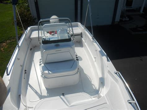 Triumph Boats For Sale In Ontario by 2008 Triumph 190 Bay The Hull Boating And