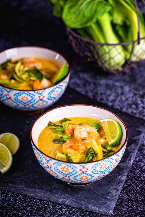 Zupa tajska z krewetkami | Soup recipes, Food, Curry