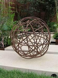 Decoration Jardin Metal : boule jardin deco deco jardin bois exterieur reference ~ Teatrodelosmanantiales.com Idées de Décoration