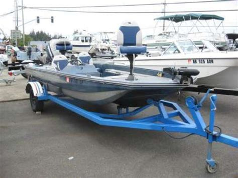 Mastercraft Bass Boats by Details For 2300 1983 15 Foot Rinker Bass Boat Woodstock