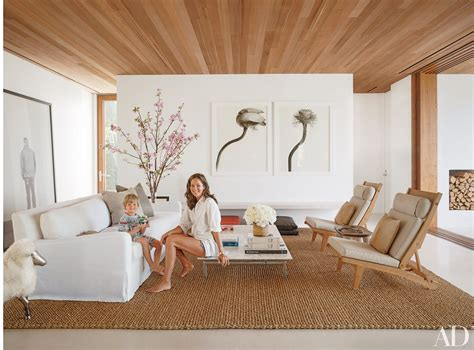 21 Living Rooms That Do Beach-Inspired Decor Right