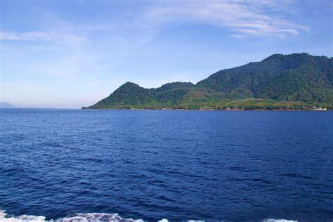 pulau weh tropical island   radar mokum surf club