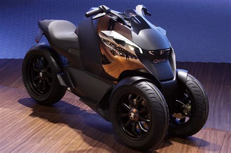 peugeot onyx peugeot onyx scooter concept is half motorcycle half