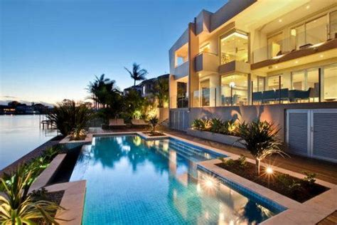 Vibrant Acqua Amalfi Gold Coast Mansion In Australias