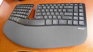Hands on: Microsoft Sculpt Ergonomic Desktop - Techgoondu ...  Ergonomic