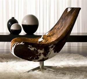 Fauteuil Peau De Vache : le mobilier de design italien un c t cosy chic ~ Teatrodelosmanantiales.com Idées de Décoration