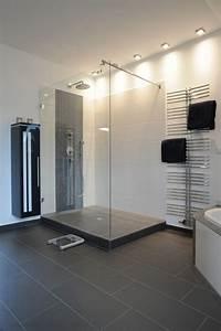 Dusche Mit Glaswand : 25 begehbare dusche pinterest hausbau ideen moderne fliesen ~ Sanjose-hotels-ca.com Haus und Dekorationen