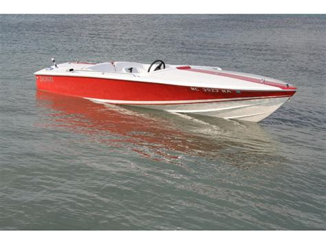 Donzi Boats For Sale In Michigan by 1986 Donzi Classic Powerboat For Sale In Michigan