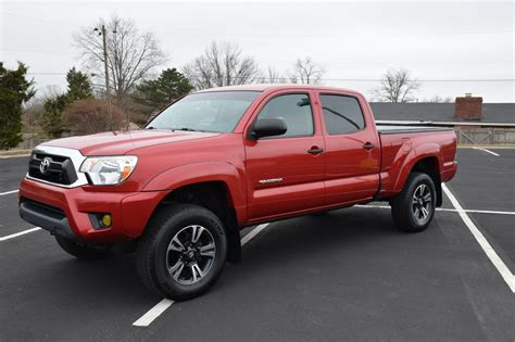 miles  toyota tacoma sr factory options lifted