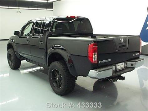nissan frontier bed extender sell used 2010 nissan frontier se crew 4x4 lift bed