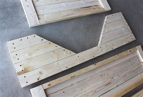 Wood Elevated Dog Bed Plans Plans Wooden Bed Designs In ...
