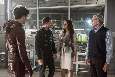 The Flash Season 2 Episode 1 Review