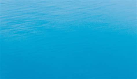 Farbe Blau: Bedeutung, Wirkung und Assoziationen