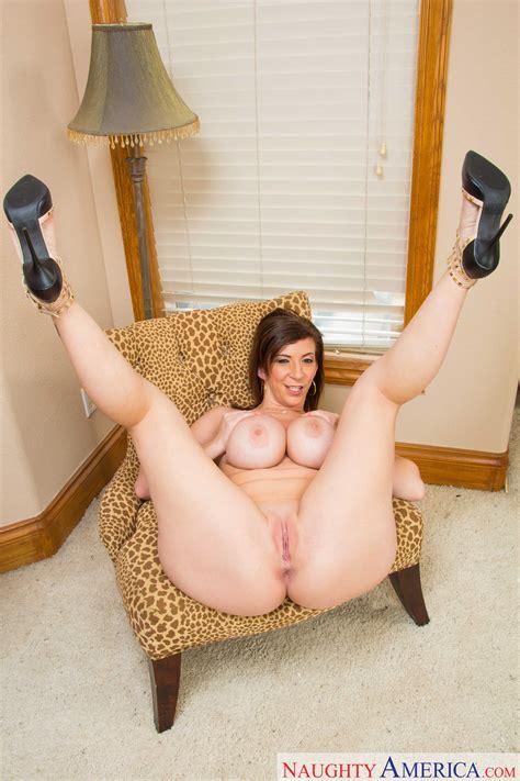 Big Titted Milf Sara Jay Is Horny MILF Fox