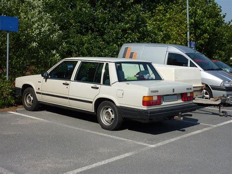 volvo   gl  reviews news specs buy car