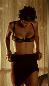 Celebrities Look Sexy When They Strip (34 gifs)