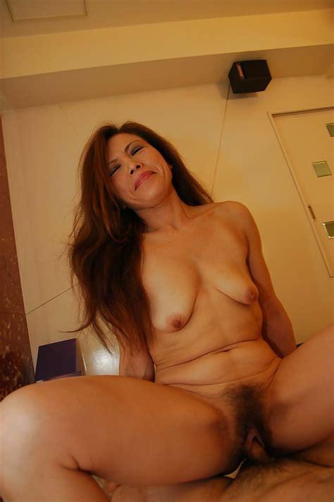 Horny Asian Milf Yasuyo Kawada Vibes Her Hairy Cunt And Fucks A Stiff Cock