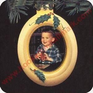 Miniature Christmas Light Bulb Garland 1987 Memories Are Forever Lighted Photo Holder