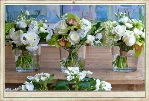 white flower table l august wedding flowers can have such a variation of