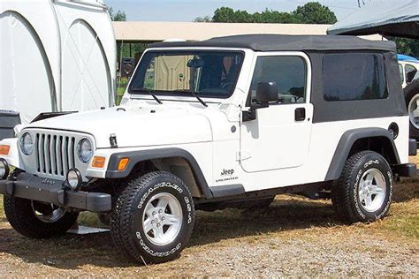 Gas Mileage Jeep Wrangler by Pros Cons Of Jeep Wrangler Unlimiteds A Review Cars