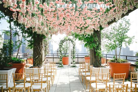 Bride And Blossom Nyc Wedding Florist Upscale Wedding
