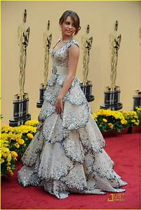 Full Sized Photo of miley cyrus 2009 oscars 12 | Photo ...